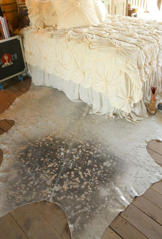 Metallic cowhide rug Winnipeg for upholstery