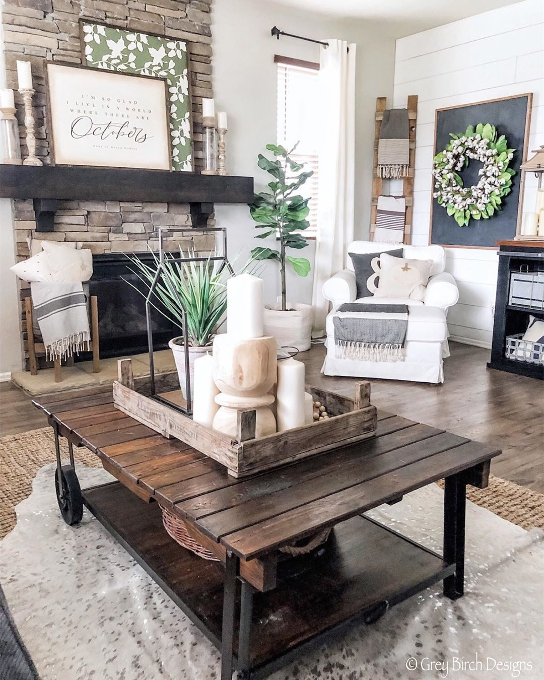 The big pro of the devore metallic cowhide rug is the quality, these cowhides are very easy to clean and maintain, blends and mixes with any Canadian decor